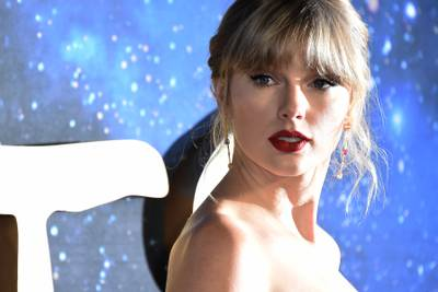 Taylor Swift Writes Letter To Fan, Gets Personal