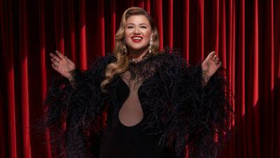 Miss Independent: Kelly Clarkson will be a single woman again in January